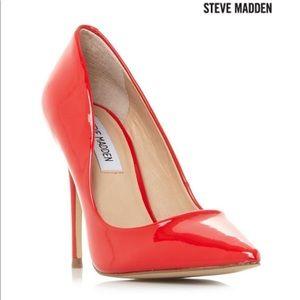 ⭐️HOLIDAYS⭐️ Steve Madden Proto heel! Size 7.5